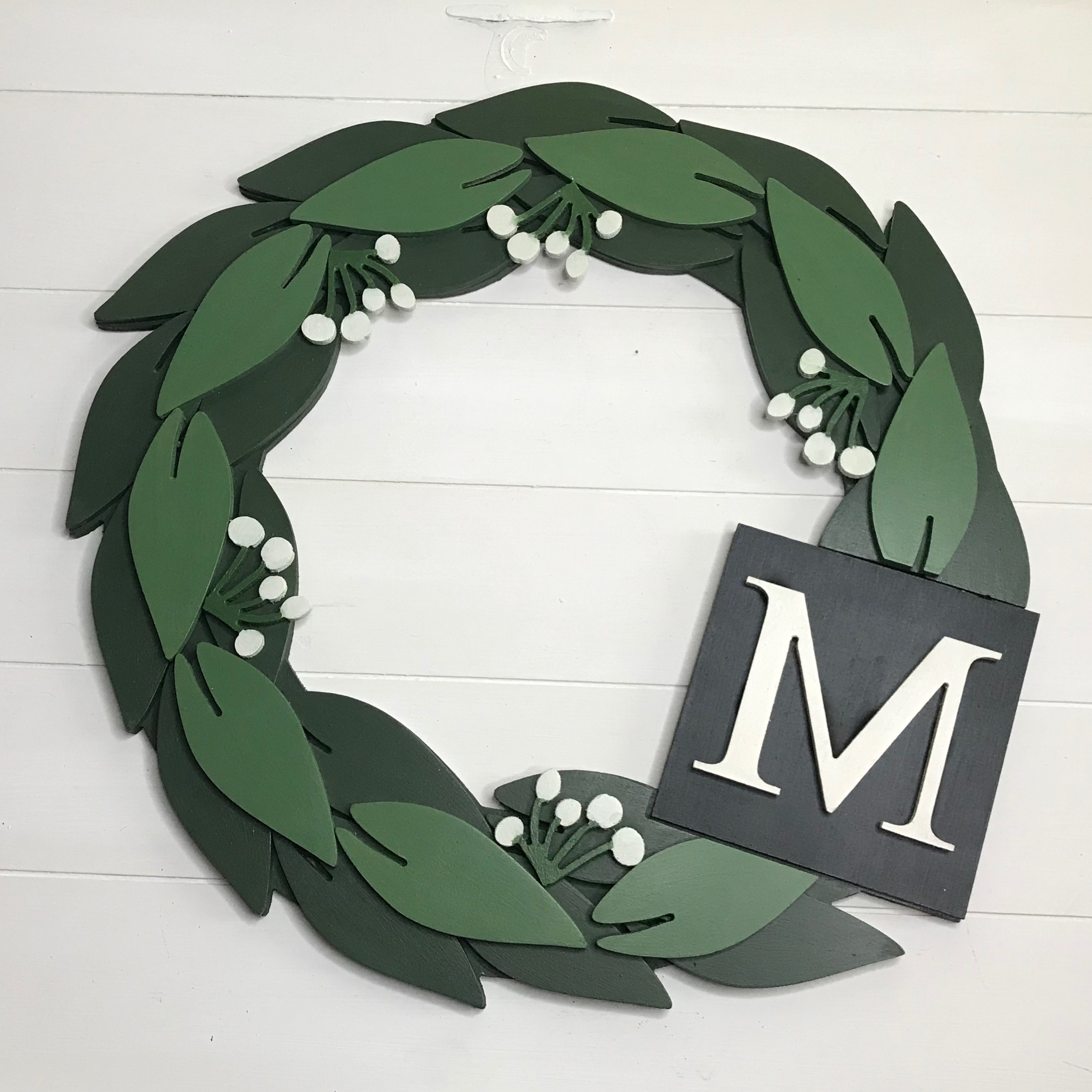 Wall charm wreath with initial charm